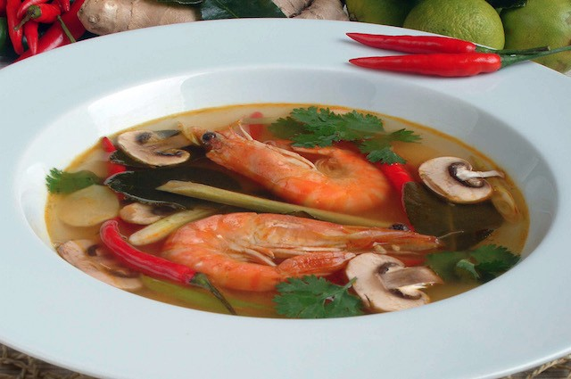 An image of Fragrant Thai Hot And Sour Prawn Soup (Tom Yam Goong) With Noodles Recipe
