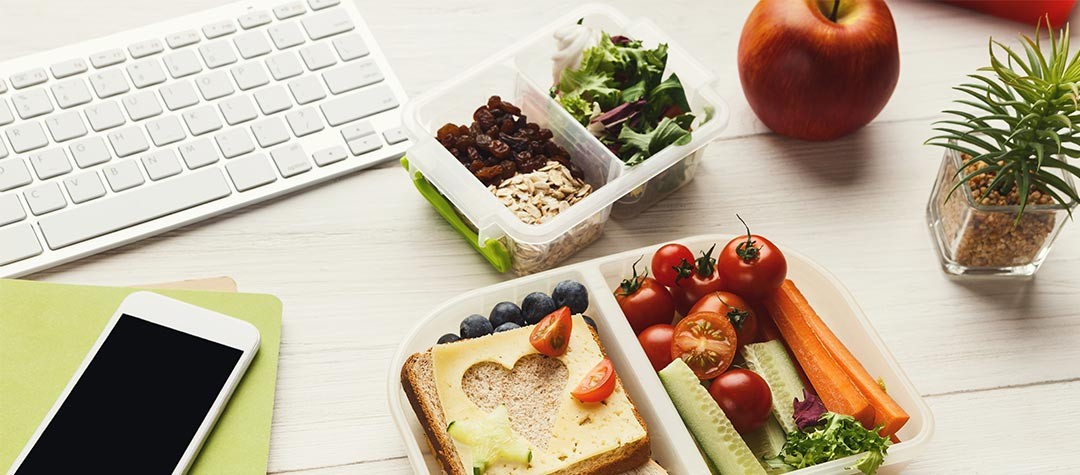 5 Best Snacks To Eat At Your Desk
