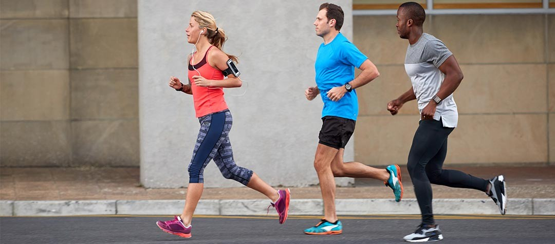 The Benefits Of Running Alone Versus Running With Others