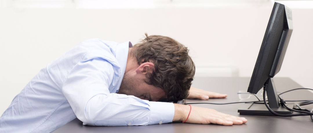 10 Ways To Disguise A Hangover At Work