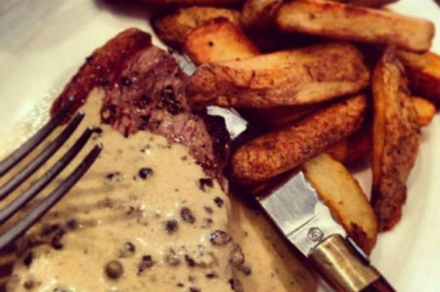 An image of Low Fat Steak Au Poivre and Chips Recipe