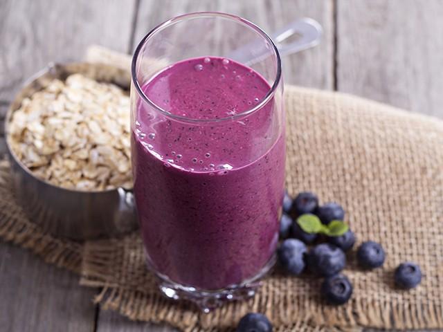 Oatmeal fruit smoothie